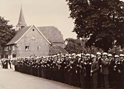 Schützenbruderschaft Südkirchen Antreten Bergstr. 1950